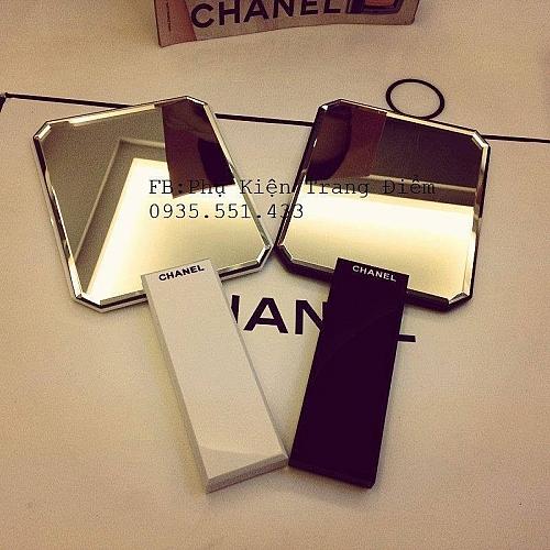 Gương Trang Điểm Chanel Cầm Tay Vuông