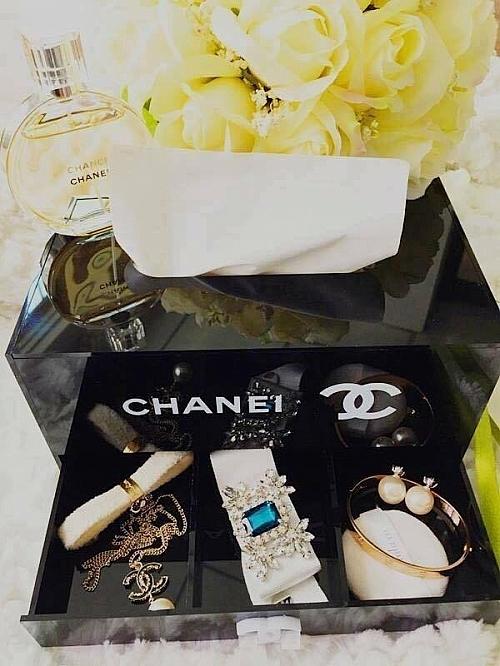 Hộp Khăn Giấy Chanel 2 Tầng