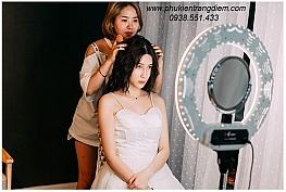 Đèn LiveStream - Make Up là gì ? Công dụng tuyệt vời của Đèn hỗ trợ Live Stream - Make Up