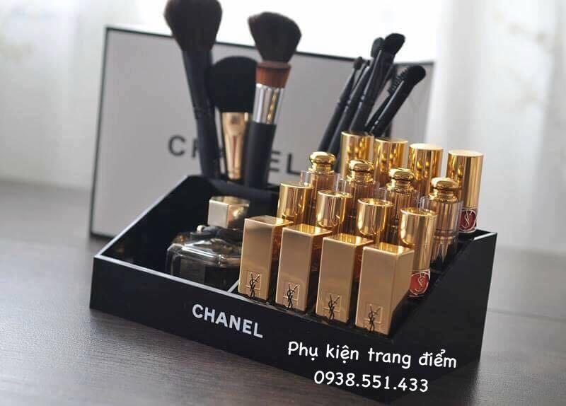 Khay mỹ phẩm Chanel cực đẹp và sang trọng.
