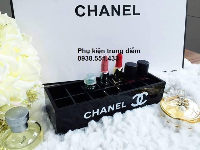 Khay Chanel đựng son môi trang điểm
