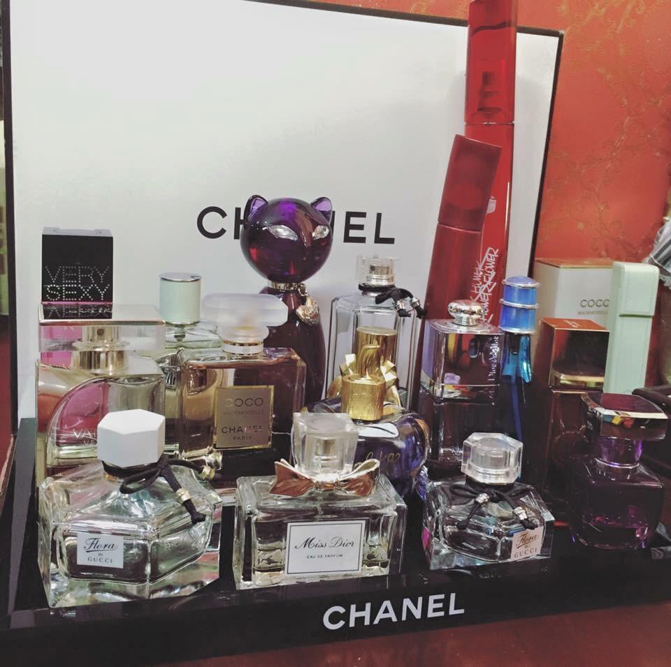 bán khay kệ Chanel đựng nước hoa mỹ phẩm giá rẻ