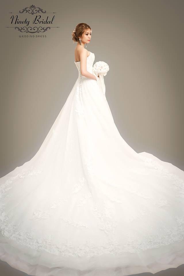 Váy cưới cúp ngực