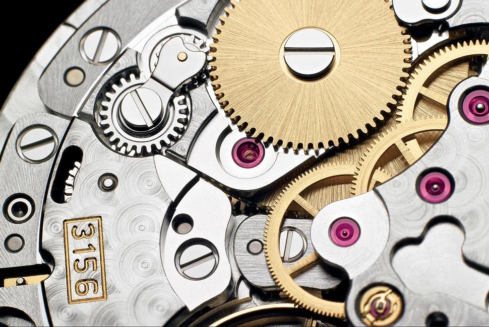 động cơ cao cấp phức tạp của đồng hồ tự động