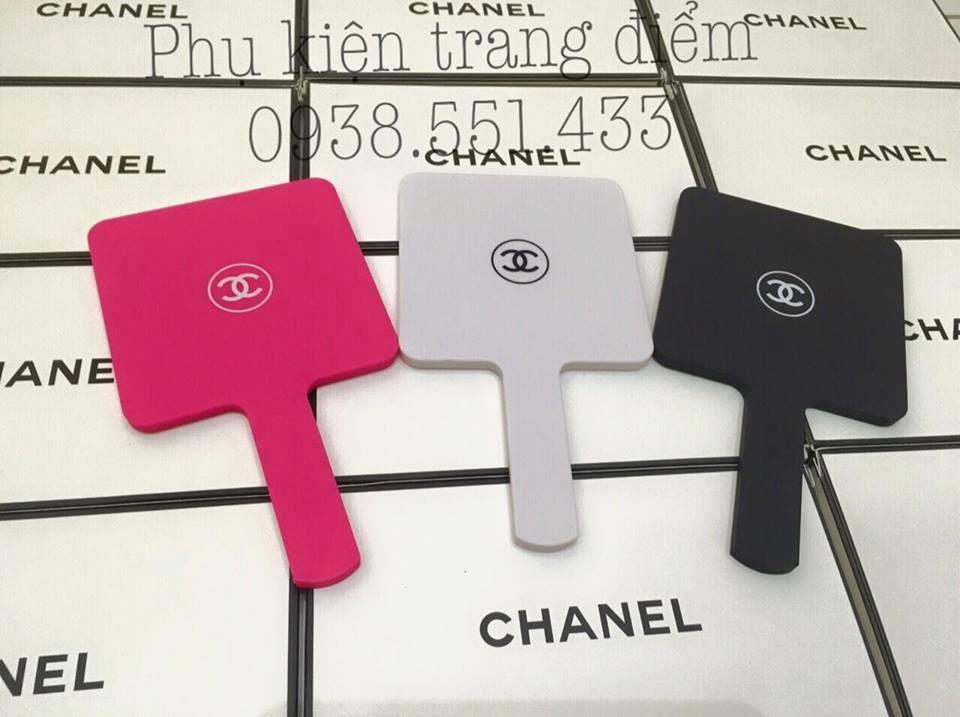 Gương cầm tay mini Chanel cục xinh xắn dễ thương