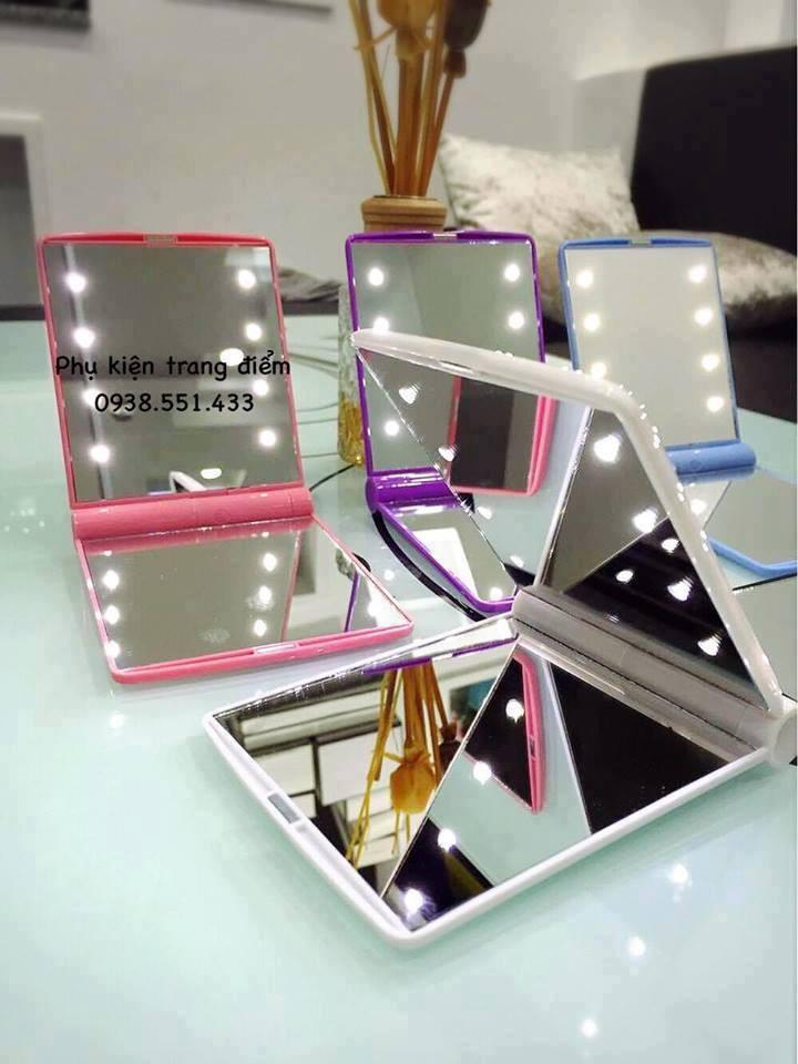 Các mẫu gương trang điểm có đèn led đẹp