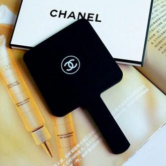 bán gương trang điểm cầm tay Chanel nhỏ giá rẻ