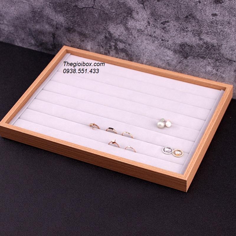 khay kệ trưng bày phụ kiện nhẫn, khuyên tai, bông tai giá rẻ
