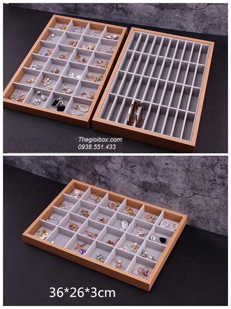 khay gỗ đựng phụ kiện trưng bày khuyên tai trang sức