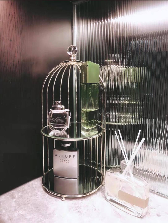 khay kệ đựng mỹ phẩm nước hoa lồng chim 2 tầng