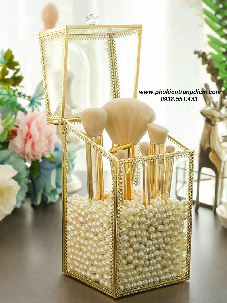hộp đựng cọ trang điểm ngọc trai golden chống bụi