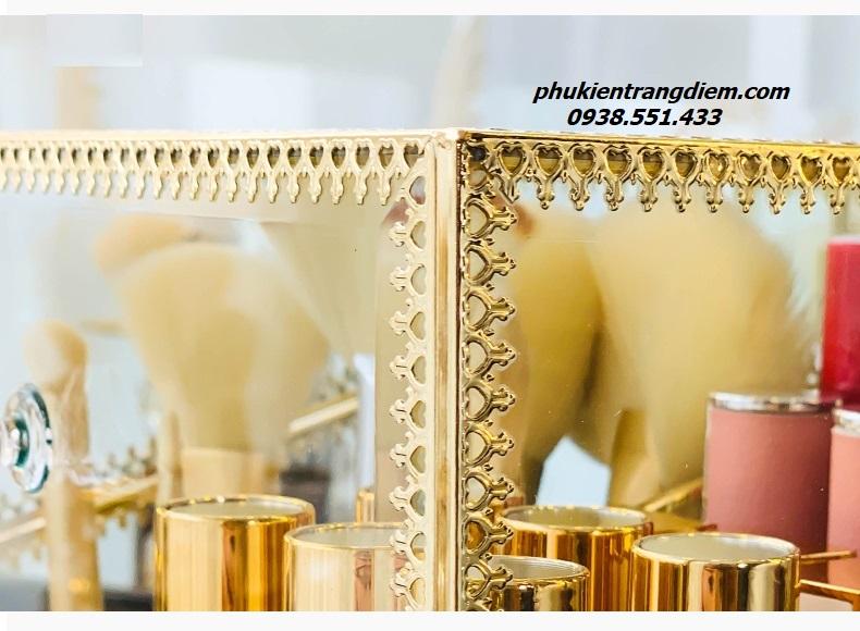 hộp đựng cọ ngọc trai - son môi viền vàng golden