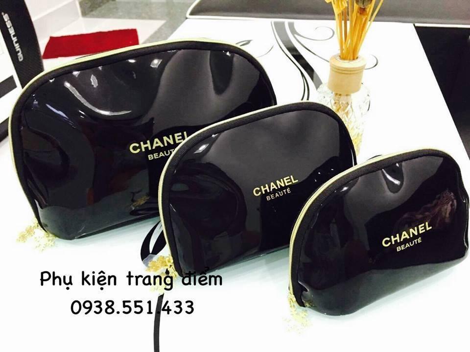 Bóp đựng mỹ phẩm Chanel
